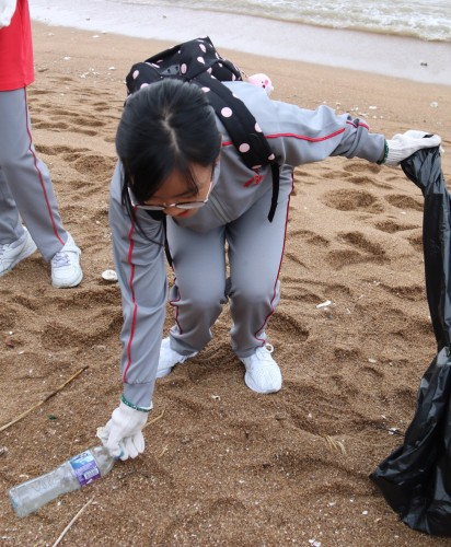 F2 Beach Clean-Up