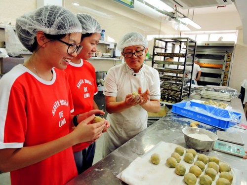 Experience Making Mooncake